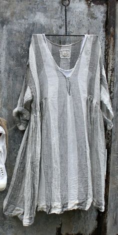 Casual Striped Sleeve V Neck Bat Sleeve Tops Bat Sleeve, Going Out Tops, Blouse Online, Casual Tops For Women, Linen Dresses, Mode Outfits, Plus Size Tops, Types Of Sleeves, Boho Fashion