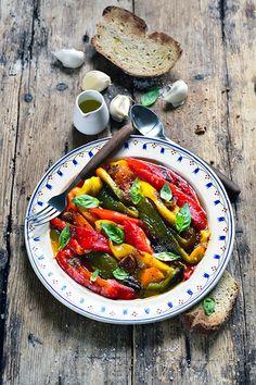 Dorian cuisine.com Mais pourquoi est-ce que je vous raconte ça... : Et si mes recettes étaient trop compliquées ? Mes poivrons multicolores grillés et marinés !