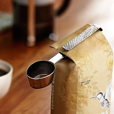 Starbucks Coffee Scoop Clip / Make your everyday cup of coffee even more energizing by bringing this sophisticated Starbucks Coffee Scoop Clip into your caffeine life today. http://thegadgetflow.com/portfolio/starbucks-coffee-scoop-clip/