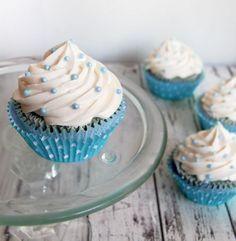awesome blue velvet cupcakes