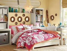 Teenage Girls Rooms Inspiration: 55 Design Ideas  Love how this is set up