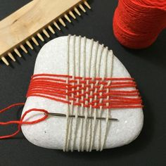 DIY weaving stone for kids.