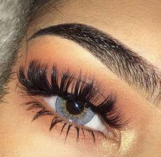 baddie makeup – Hair and beauty tips, tricks and tutorials Eye Makeup Steps, Natural Eye Makeup, Blue Eye Makeup, Skin Makeup, Beauty Makeup, Blue Eyeshadow, Eyeshadow Makeup, Makeup Goals, Makeup Inspo
