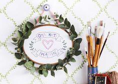 Tee kirjottu tekstitaulu seinälle. Diy embroidery for the wall. | Unelmien Talo&Koti Toimittaja: Hanna Sandström Kuva: Satu Nyström
