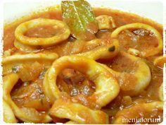 Una receta que gusta mucho muchísimo en casa son estos calamares en salsa una Güveç yemekleri Kitchen Recipes, Cooking Recipes, Healthy Recipes, Tapas, Good Food, Yummy Food, Asian Cooking, Fish Dishes, Light Recipes