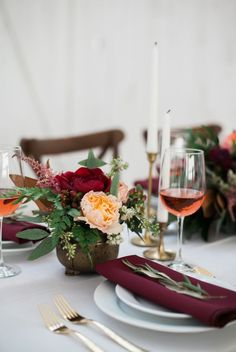 """Celebra el amor por partida doble, ¿imaginas cómo sería celebrar tu boda en San Valentín? En CHIC hemos recopilado algunas de las ideas que más nos han gustado para celebrar tu boda """"el día del amor"""", ¿te animas?"""