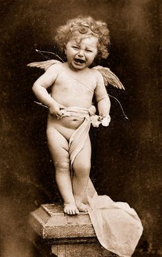 A Really Unhappy Cherub. Rosales Sánchez Stone Coquis via Connie Ortberg Antique Photos, Vintage Pictures, Vintage Photographs, Old Pictures, Vintage Images, French Vintage, Old Photos, Album Vintage, Vintage Illustration