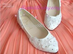 Wholesale The new crystal diamond lace flower white wedding shoes bridesmaid ol pointy shoes with flat sole, Free shipping, $40.0/Piece | DHgate Mobile