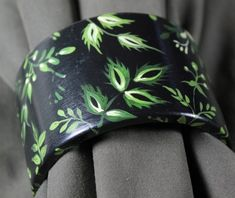 Our work we also realize through designing and painting handmade jewelry. Painted with passion bracelet is made of light wood, which gives it a unique and unrepeatable nature. Fasion, Baseball Hats, Handmade Jewelry, Hand Painted, Hands, Bracelets, Unique, Collection, Baseball Caps