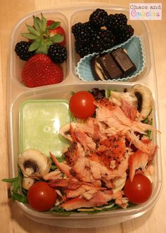 smoked pepper salmon  and salad with mini dipper to hold the dressing #EasyLunchboxes