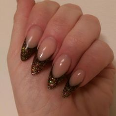Bronze glitter Bronze, Glitter, Nails, Beauty, Finger Nails, Ongles, Beauty Illustration, Nail, Sequins