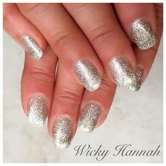 Diamond Glitter Gel Polish  I simply love glitter!
