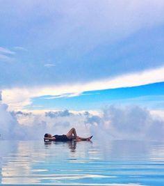 "Waking up with this view ❤ ••••••••••••••••••••••••••••••••••••••••••••••••••••••• An amazing photo regram from :  @inda_wijaya  ""Munduk Moding Plantation, Munduk, Buleleng, Bali"" Let's sharing your amazing moment with #balidaily✌️"