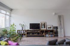 Olhar de arquiteto | Capítulo 1 | Histórias de Casa | Histórias de Casa Open Plan Living, Living Room Interior, House Tours, Sweet Home, Gallery Wall, New Homes, Loft, Interior Design, 1