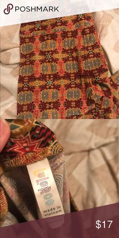 Lularoe Tc legging GUC Lularoe Tc legging.   ey love! I'm working on a special deal for the next few days!! Choose any items you like and I will make you s custom bundle just for you! Remember the more you bundle the better the deal for you! I'll also throw in a freebie for bundles of 2 or more! LuLaRoe Pants Leggings