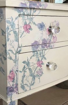Shabby Chic Style, Shabby Chic Mode, Cocina Shabby Chic, Shabby Chic Vintage, Shabby Chic Living Room, Shabby Chic Bedrooms, Shabby Chic Kitchen, Upcycled Vintage, Whimsical Painted Furniture