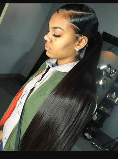 Side part low ponytail