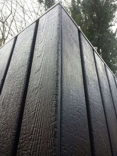 Shou-sugi-ban : black wood : burnt wood : wood art : www. Cladding Design, House Cladding, Timber Cladding, Exterior Cladding, Facade Design, Wood Architecture, Architecture Details, Recycled House, Wood Facade