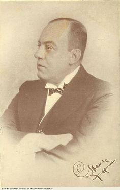 Il y a 125 ans, le 13 août 1889, naissait Camilien Houde, maire de Montréal de 1928 à 1932, de 1934 à 1936, de 1938 à 1940 et de 1944 à 1954. Il a aussi siégé comme député à Québec et à Ottawa. En 1940, il est arrêté en raison de son opposition à la conscription, puis incarcéré. Libéré en 1944, il est accueilli à Montréal en héros. On le surnommait « Monsieur Montréal ». Photo : © Archives de la Ville de Montréal, BM1,S5,P0965 #patrimoine #RPCQ Montreal Ville, Canadian History, Ottawa, Saint, Personality, The Past, Portraits, Vintage, Big Men