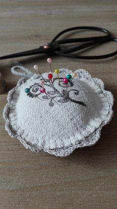 BackPack/Batoh/Vak - modro - biely folk cifrovaný / LuJo - SAShE.sk - Handmade Batohy Folk, Crochet Earrings, Backpacks, Jewelry, Fashion, Moda, Jewlery, Popular, Jewerly