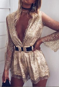 Color: Gold Sizes: X-Small, Small, Medium, Large Measurements (cm): XS: bust 80, waist 64S: bust 84, waist 68 M: bust 88, waist 72 L: bust 92, waist 76 Item T