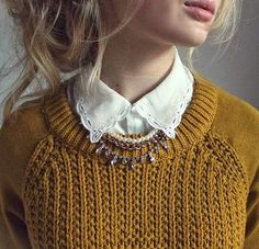I like the collar and sweater combo. I don't like the color.