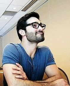 daily tyler hoechlin...i am in love with this smile!