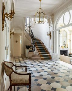 Bryan O'Sullivan Has Revived a Paris Mansion's Old Majesty - Introspective French Apartment, Parisian Apartment, Paris Apartments, Mansion Bedroom, Mansion Interior, Interior And Exterior, Interior Design, Old Mansions, Mansions Homes