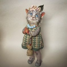 Rag Doll Kittens makes pieces that are beautiful and strange in equal measure. How To Cat, Cat Doll, Assemblage Art, Little Doll, Soft Sculpture, Sculptures, Animal Society, Cat Breeds, Cats And Kittens
