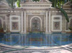 Recorrida por la mansión Versace en Miami