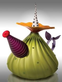 """""""Garden Variety Teapot in Olive"""" Art Glass Teapot Created by Bob Kliss and Laurie Kliss This blown and sandblasted glass teapot is composed of individually created components that are assembled while still hot. Ceramic Teapots, Porcelain Ceramics, Ceramic Pottery, Ceramic Art, Pottery Teapots, Porcelain Dinnerware, China Dinnerware, Teapots Unique, Vintage Teapots"""