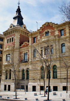 Palacio Marquesa de Guevara. Plaza de Santa Bárbara. Madrid