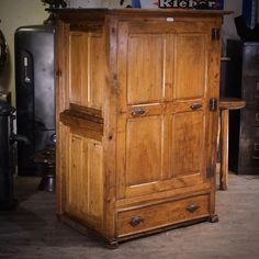 Deco Design, Info, Toulouse, Armoire, Furniture, Home Decor, Vintage Industrial, Industrial Furniture, Clothes Stand