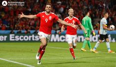 Hal Robson-Kanu celebrates after scoring Wales' second goal against Belgium in the Euro 2016 quarter-final in Lille. Messi And Neymar, Lionel Messi, Wales Euro 2016, Venezuelan Women, Wales Football, Football Tournament, Soccer Stars, Gareth Bale, A 17