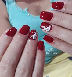 29 Fotos de Unhas decoradas com adesivos Nail Designs, Nails, Triangles, Beauty, Nail Stickers, Ring Finger, Beige Nail, Ornaments, Manicure
