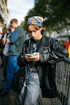 【スナップ】個性派ファッショニスタたちがパリに集結!2020年春夏パリ・ファッション・ウイーク   WWD JAPAN.com How To Have Style, Style Me, Ceara Sport Club, 90s Fashion, Fashion Outfits, Womens Fashion, Mode Für Teenies, Estilo Cool, Cool Outfits