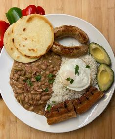 (1) Colombian bandeja paisa, featuring my first attempt at making chorizo : FoodPorn