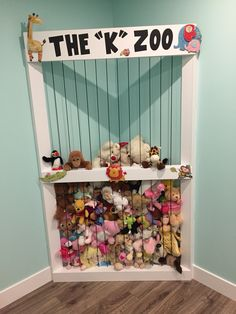 Stuffy zoo, play room, bungee cord, cricut, vinyl, toy room