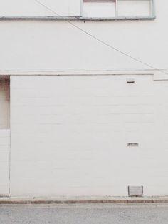 白壁・外壁  (撮影8/7 18時)レトロな建物