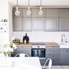 Charming IKEA BODBYN GREY KITCHEN With Gold Knobs And Wood Worktops Küchen Ideen,  Schrank, Ikea