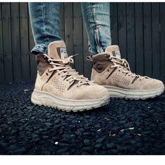 CAIHEEZO FUTNE BRITISH ARMY DESIGN HIGH TOP SNOW BOOTS   #footwearaddict #Socks #sockswag #sockstyle #socksfetish #socksofinstagram #feetfetishworld #transparentsocks #stylishlook #fashionsocks #anklesocks #anklets #globaltrendzsocks #shoes #fashion #footwear #fashiondesign #designershoes #designer #design #footweardesign #leathershoes #shoesschool #shoesdesign #shoesfashion #shoesmaker #shoesmaking #flatshoes #oxfordshoes #shoesthailand Mens Shoes Boots, Leather Shoes, Men's Shoes, Fashion Socks, British Army, Ankle Socks, Anklets, Snow Boots, Designer Shoes