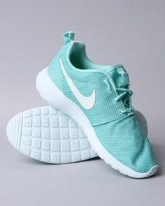 Nike Roche ... thinking maybe get a pair of Roches sometime ???