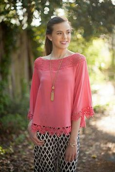 Lace poncho top!| My Kim Collection www.facebook.com/mykimcollection www.elleolivia.com photography