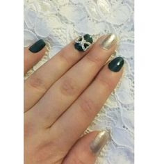 Cute nails with a bow #nails #bow #blingbling