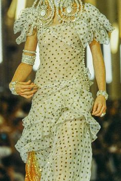 Christian Dior Fall 1999 Couture Collection Фотографии - Vogue