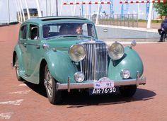 Classic Car News – Classic Car News Pics And Videos From Around The World Françoise Sagan, Austin Cars, Jaguar Daimler, Antique Cars, Vintage Cars, Automotive Design, Custom Motorcycles, Old Cars, Motor Car