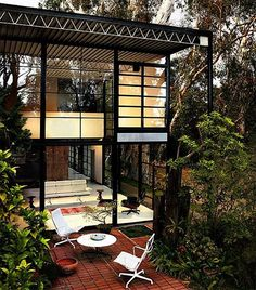 Case Study House #8 - the Eames House (post Ray & Charles) - designed by the Eames, 1949. Photo: Francois Dischinger #mcmdaily #charlesandrayeames #casestudyhouse8 #eameshouse mcmdaily.com