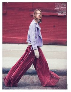 Check it out Model Susanne Knipper poses in autumn street styles for the fashion editorial The post Model Susanne Knipper poses in autumn street styles for the fashion editorial… appeared first o ..