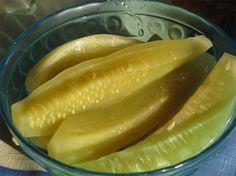 Ogórki z musztardą do słoików - jak zrobić? Przepisy na WINIARY Pickles, Cucumber, Food, Hoods, Meals, Pickle, Cauliflowers, Pickling