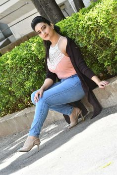 Anchor Manjusha Latest Stills Beautiful Girl In India, Beautiful Indian Actress, Beautiful Actresses, Girl Photo Poses, Girl Photos, Oscar Fashion, Hollywood Heroines, Glam Girl, Bollywood Girls